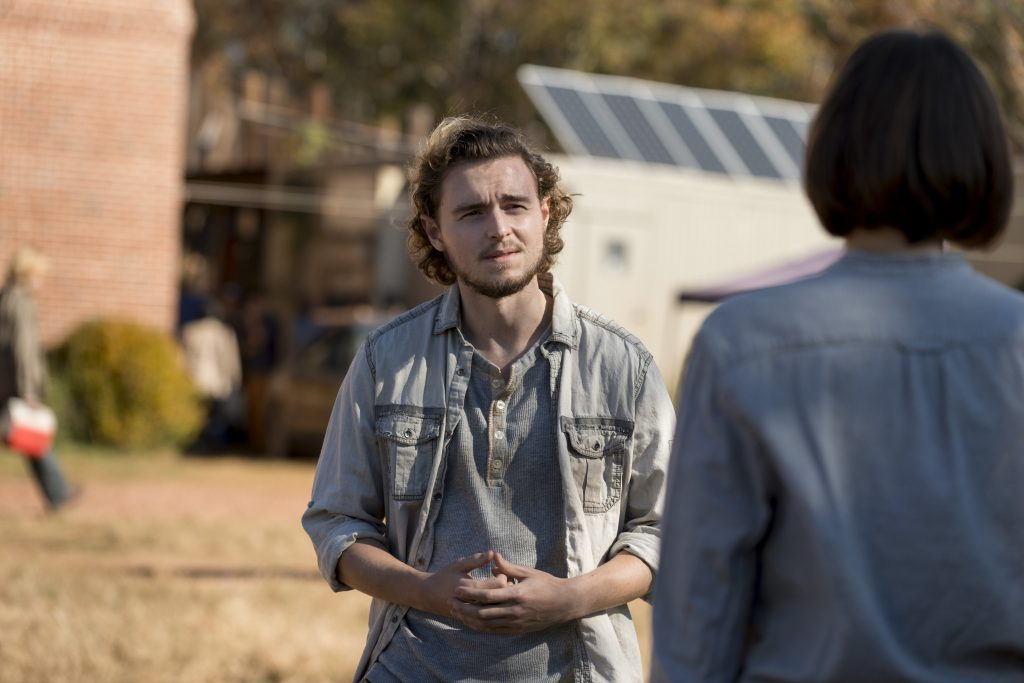 Callan McAuliffe as Alden, Lauren Cohan as Maggie Rhee - The Walking Dead _ Season 8, Episode 16 - Photo Credit: Gene Page/AMC