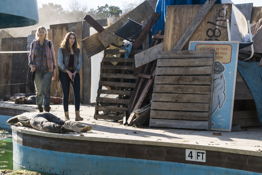Jenna Elfman as Naomi, Alycia Debnam-Carey as Alicia Clark- Fear the Walking Dead _ Season 4, Episode 4 - Photo Credit: Richard Foreman, Jr/AMC