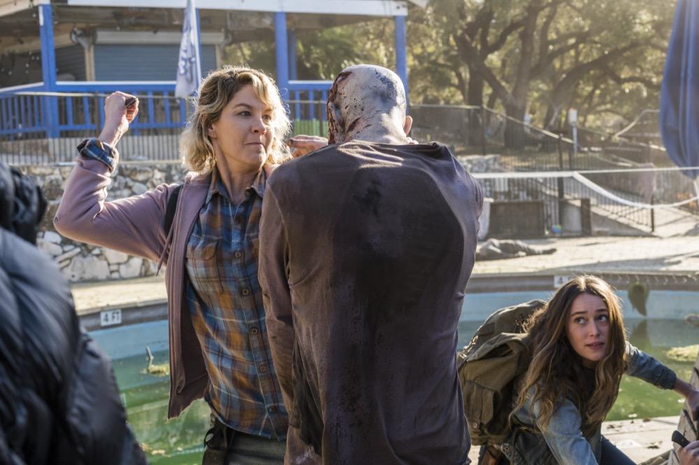 Jenna Elfman as Naomi, Alycia Debnam-Carey as Alicia Clark - Fear the Walking Dead _ Season 4, Episode 4 - Photo Credit: Richard Foreman, Jr/AMC