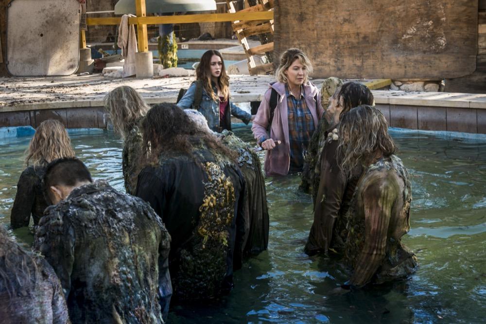 Alycia Debnam-Carey as Alicia Clark, Jenna Elfman as Naomi - Fear the Walking Dead _ Season 4, Episode 4 - Photo Credit: Richard Foreman, Jr/AMC