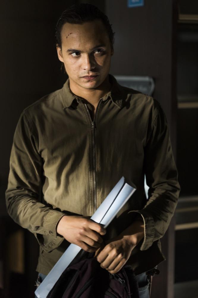 Frank Dillane as Nick Clark - Fear the Walking Dead _ Season 4, Episode 4 - Photo Credit: Richard Foreman, Jr/AMC