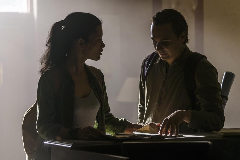 Frank Dillane as Nick Clark, Danay Garcia as Luciana- Fear the Walking Dead _ Season 4, Episode 4 - Photo Credit: Richard Foreman, Jr/AMC