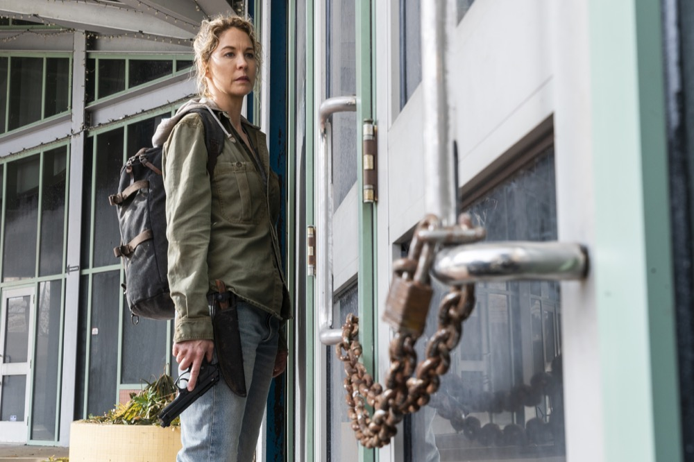 Jenna Elfman as Naomi- Fear the Walking Dead _ Season 4, Episode 6 - Photo Credit: Richard Foreman, Jr/AMC
