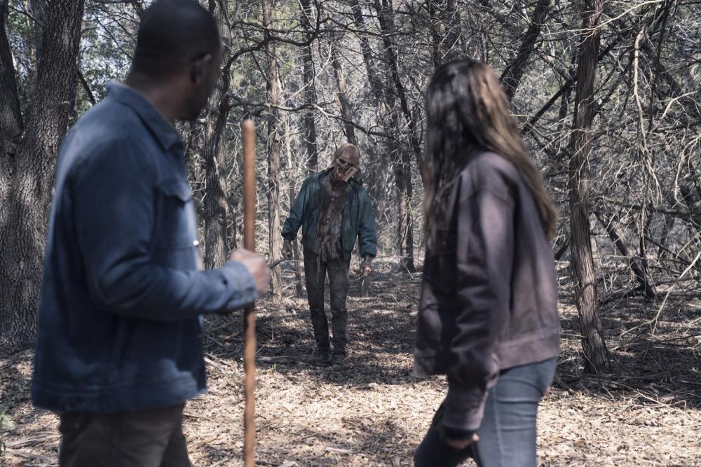 Lennie James as Morgan Jones, Alycia Debnam-Carey as Alicia Clark- Fear the Walking Dead _ Season 4, Episode 9 - Photo Credit: Ryan Green/AMC