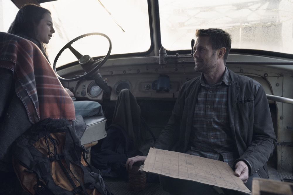 Alexa Nisenson as Charlie, Garret Dillahunt as John Dorie - Fear the Walking Dead _ Season 4, Episode 9 - Photo Credit: Ryan Green/AMC