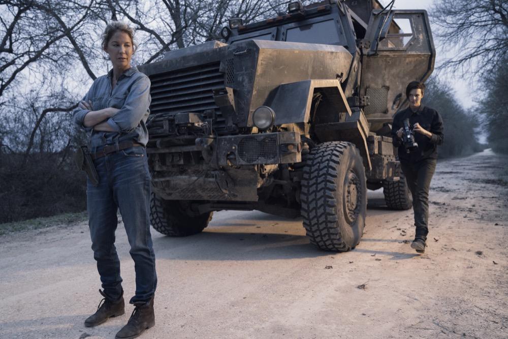 Jenna Elfman as Naomi, Maggie Grace as Althea- Fear the Walking Dead _ Season 4, Episode 9 - Photo Credit: Ryan Green/AMC