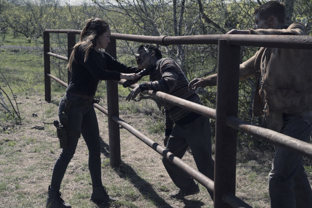 Alycia Debnam-Carey as Alicia Clark; group- Fear the Walking Dead _ Season 4, Episode 9 - Photo Credit: Ryan Green/AMC