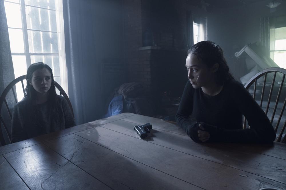 Alexa Nisenson as Charlie, Alycia Debnam-Carey as Alicia Clark- Fear the Walking Dead _ Season 4, Episode 10 - Photo Credit: Ryan Green/AMC