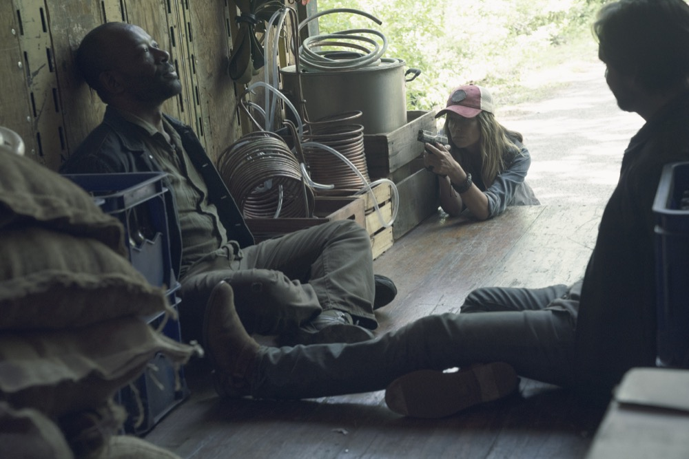 Mo Collins as Sarah, Lennie James as Morgan Jones, Aaron Stanford as Jim- Fear the Walking Dead _ Season 4, Episode 11 - Photo Credit: Ryan Green/AMC