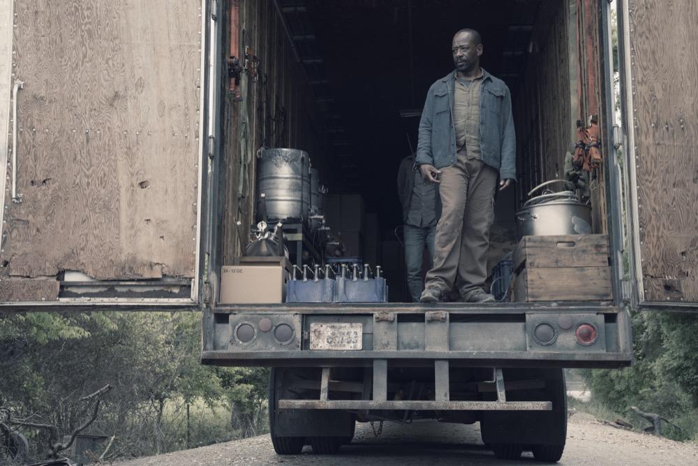 Lennie James as Morgan Jones, Aaron Stanford as Jim- Fear the Walking Dead _ Season 4, Episode 11 - Photo Credit: Ryan Green/AMC