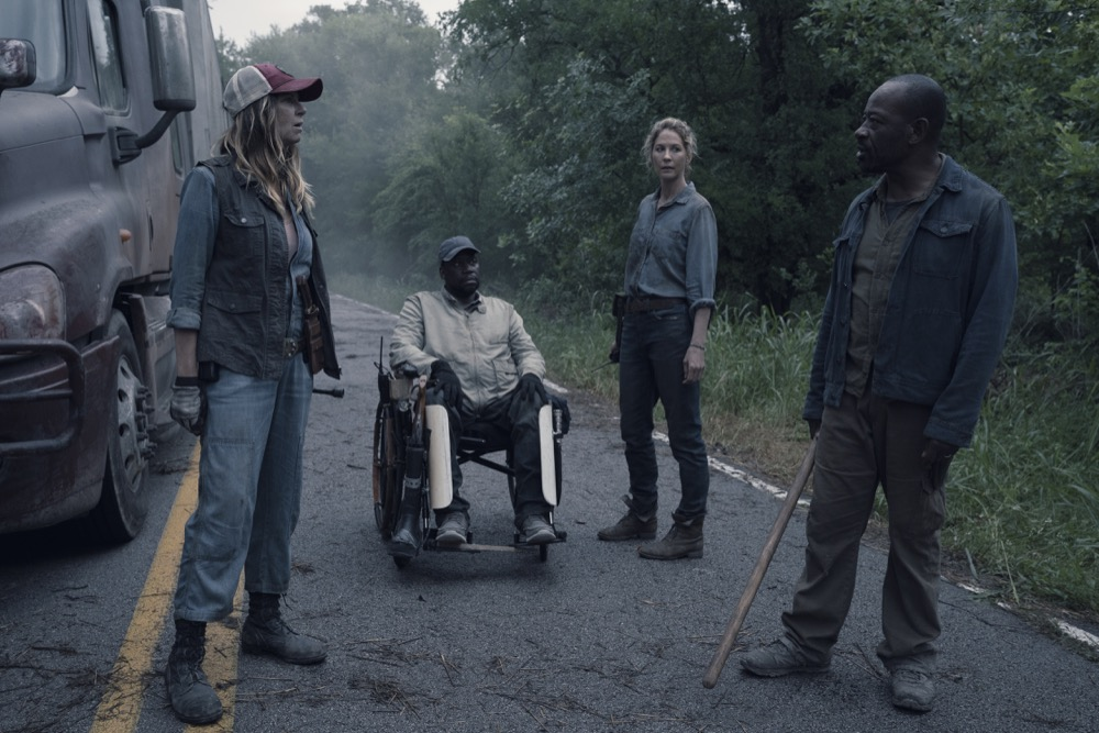 "Lennie James as Morgan Jones, Jenna Elfman as Naomi, Mo Collins as Sarah, Daryl ""Chill"" Mitchell as Wendell - Fear the Walking Dead _ Season 4, Episode 13 - Photo Credit: Ryan Green/AMC"