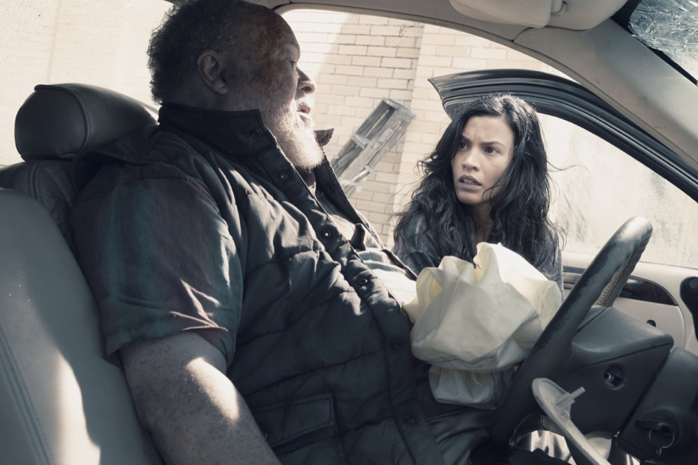 Danay Garcia as Luciana, Stephen McKinley Henderson as Clayton- Fear the Walking Dead _ Season 4, Episode 13 - Photo Credit: Ryan Green/AMC