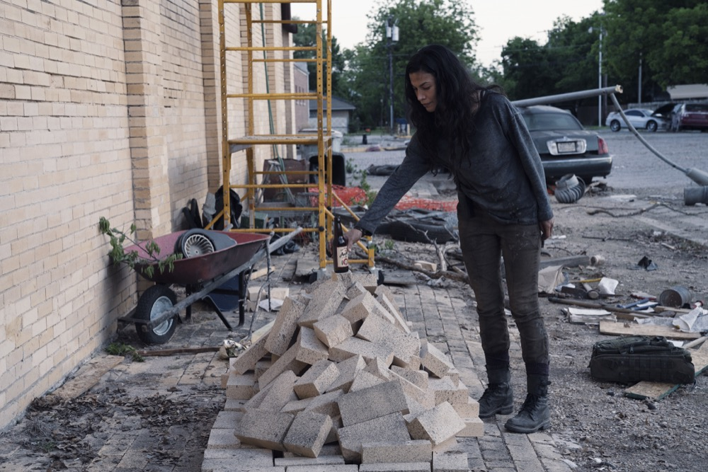 Danay Garcia as Luciana- Fear the Walking Dead _ Season 4, Episode 13 - Photo Credit: Ryan Green/AMC