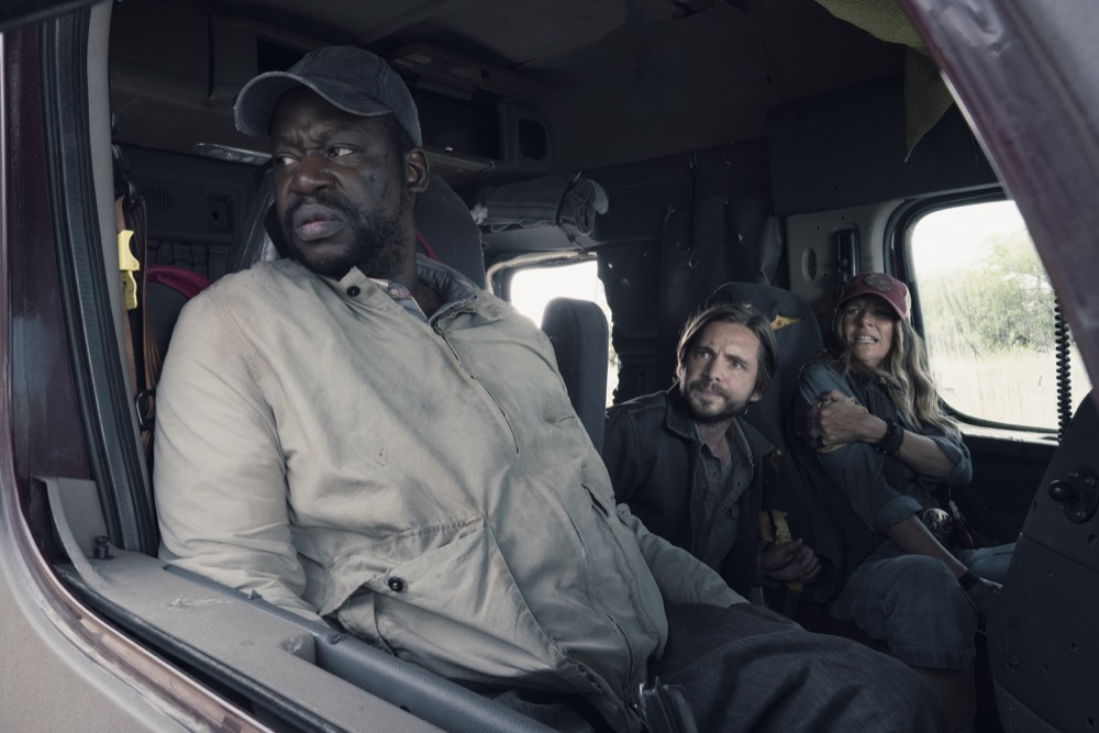 "Daryl ""Chill' Mitchell as Wendell, Aaron Stanford as Jim, Mo Collins as Sarah  - Fear the Walking Dead _ Season 4, Episode 14 - Photo Credit: Ryan Green/AMC"