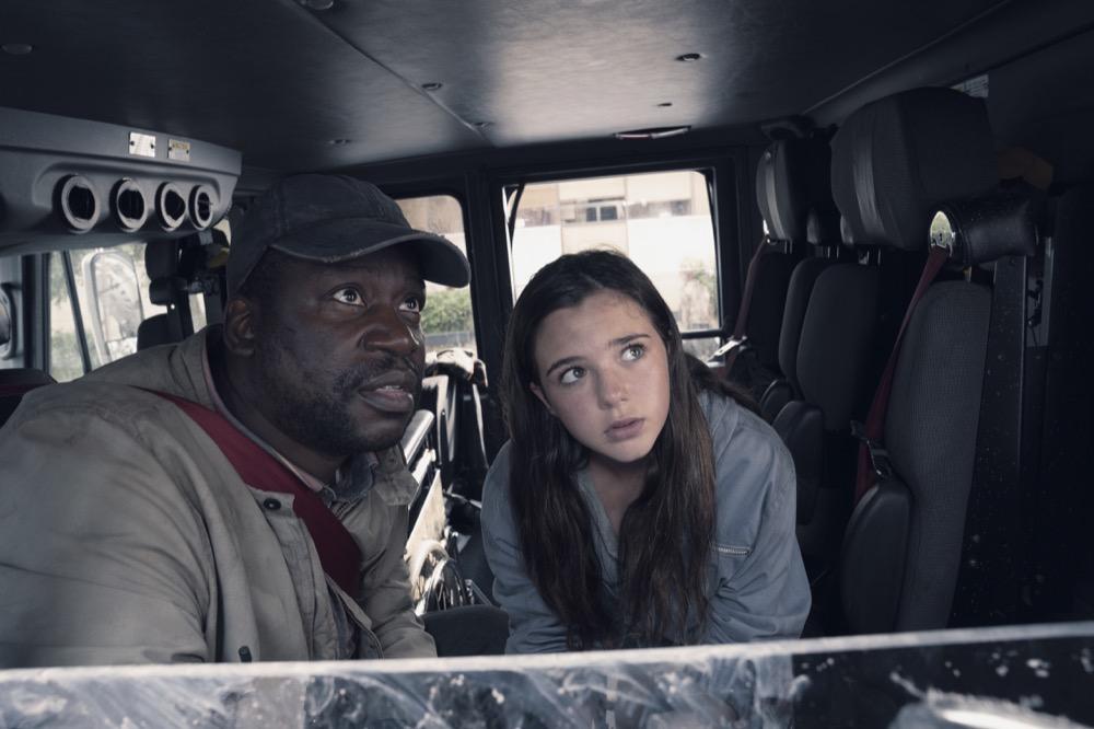 "Daryl ""Chill"" Mitchell as Wendell, Alexa Nisenson as Charlie - Fear the Walking Dead _ Season 4, Episode 15 - Photo Credit: Ryan Green/AMC"