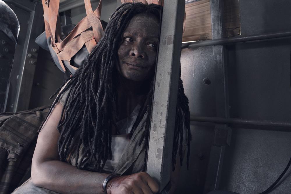 Tonya Pinkins as Martha/Filthy Woman- Fear the Walking Dead _ Season 4, Episode 15 - Photo Credit: Ryan Green/AMC