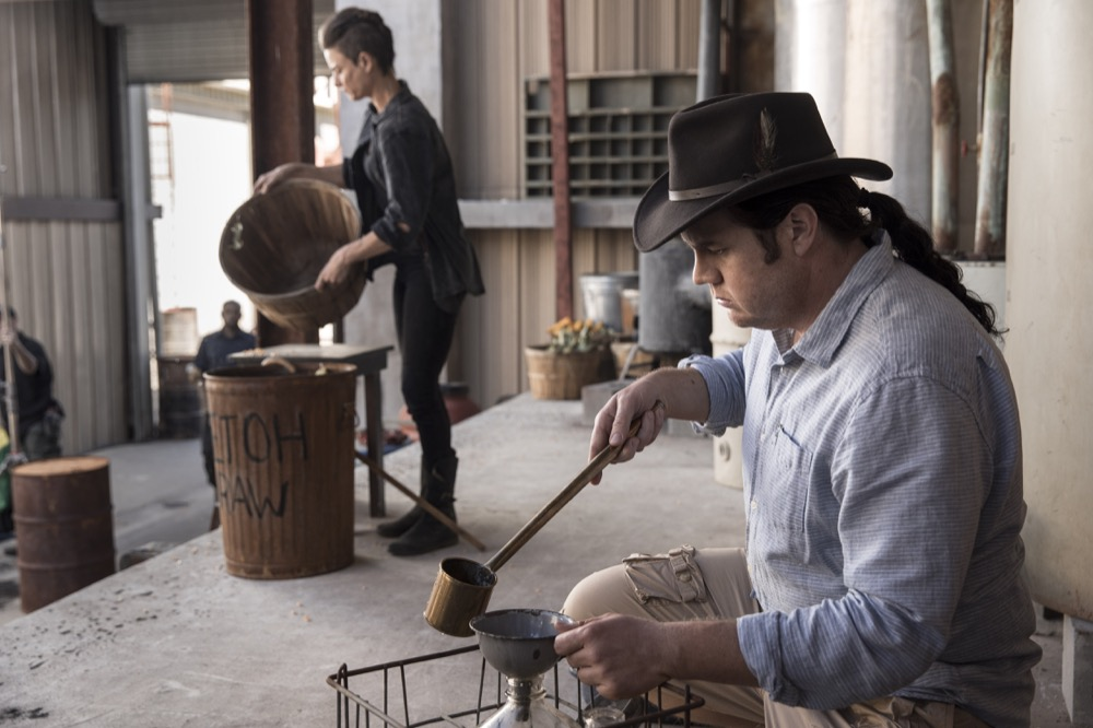 Josh McDermitt as Dr. Eugene Porter, Traci Dinwiddie as Arat- The Walking Dead _ Season 9, Episode 1 - Photo Credit: Jackson Lee Davis/AMC